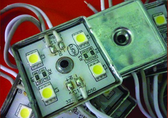led module 4 bóng đế sắt