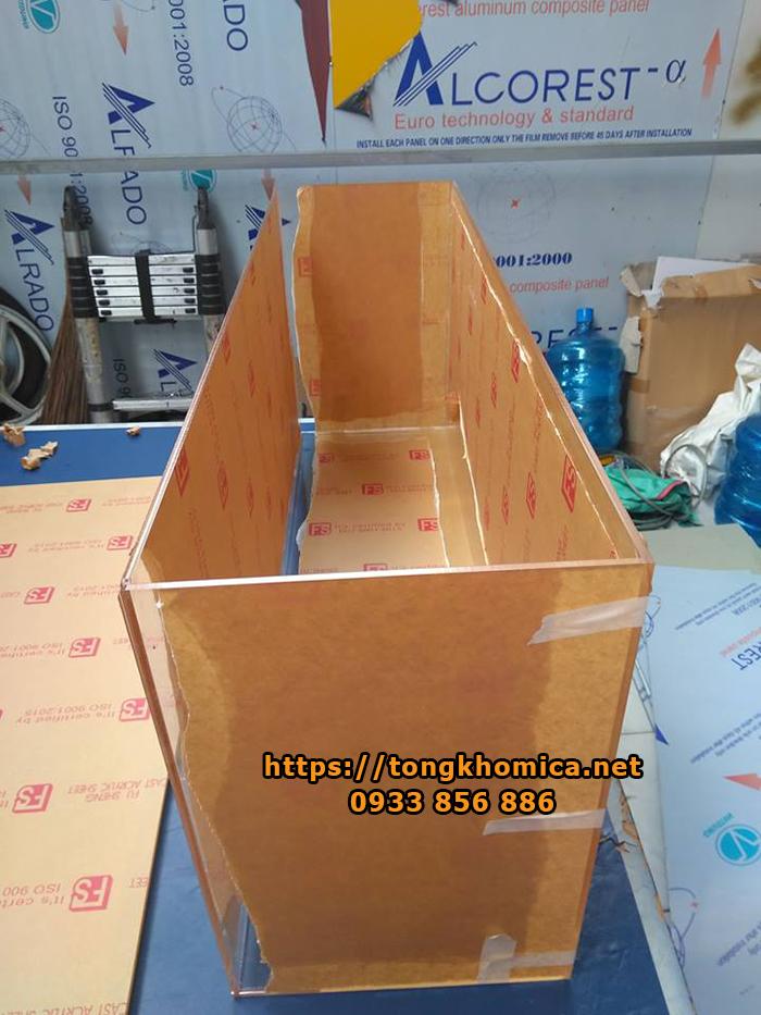 thùng nhựa mica